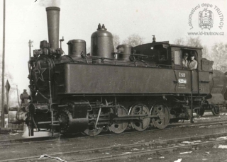 Parní lokomotiva 422.085