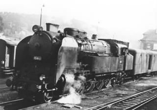 Parní lokomotiva 464.032