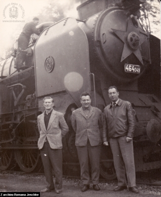 Parní lokomotiva 464.049