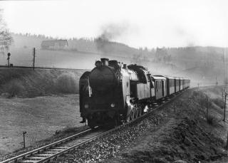 Parní lokomotiva 464.050