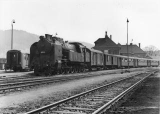 Parní lokomotiva 464.052